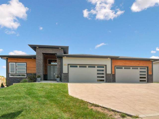 3875 Sandstone Point, Waukee, IA 50263 (MLS #591462) :: Better Homes and Gardens Real Estate Innovations