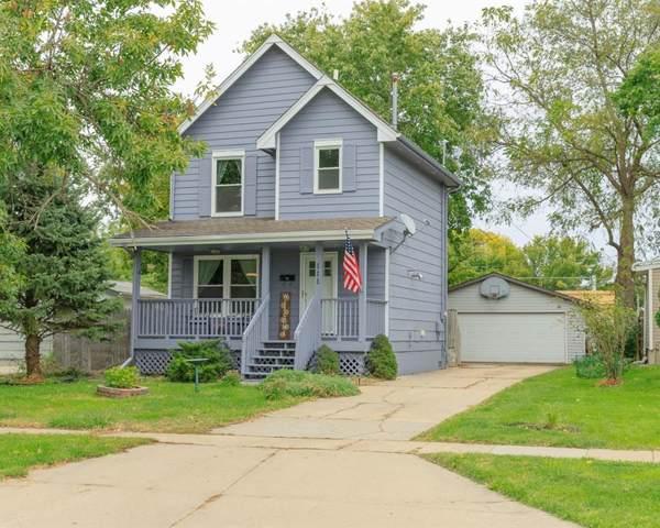 111 10th Street, West Des Moines, IA 50265 (MLS #592697) :: Attain RE