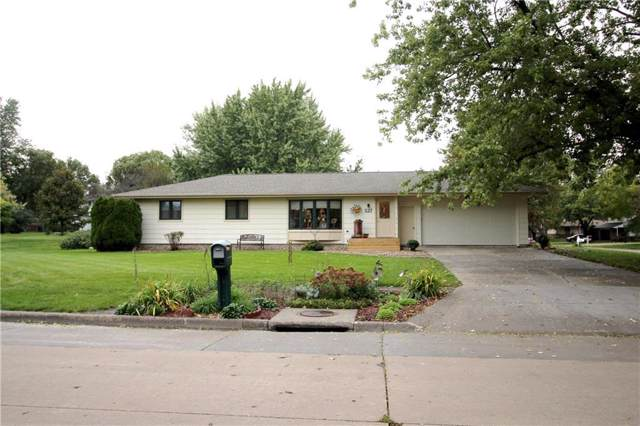527 12th Avenue, Grinnell, IA 50112 (MLS #593083) :: Attain RE