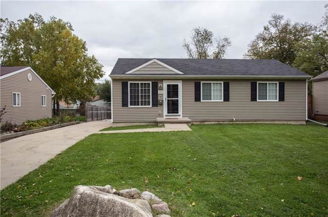 2411 38th Street, Des Moines, IA 50310 (MLS #593276) :: Attain RE