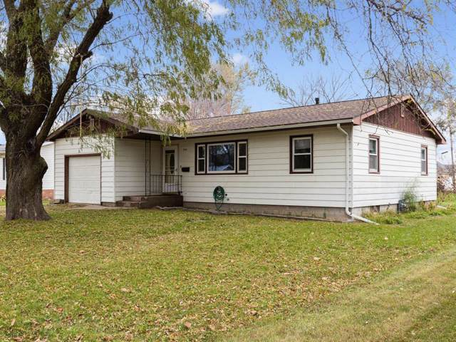 613 Barton Street, Dexter, IA 50070 (MLS #594460) :: Better Homes and Gardens Real Estate Innovations