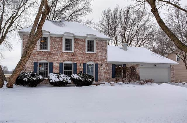 2200 Meadow Brook Drive, West Des Moines, IA 50265 (MLS #597914) :: Moulton Real Estate Group
