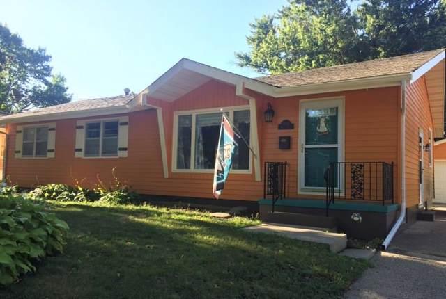 3016 Giles Street, West Des Moines, IA 50265 (MLS #597942) :: Pennie Carroll & Associates