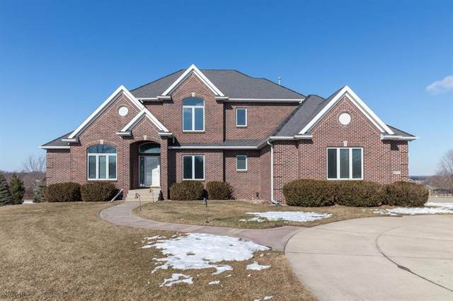 9781 NW 74th Place, Johnston, IA 50131 (MLS #598863) :: Pennie Carroll & Associates