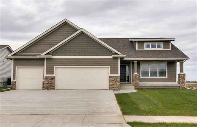 3304 13th Avenue SE, Altoona, IA 50009 (MLS #599420) :: Moulton Real Estate Group