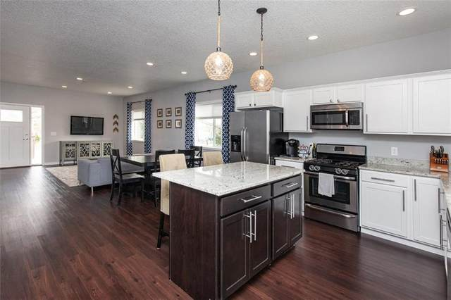 120 9th Street, West Des Moines, IA 50265 (MLS #602006) :: Moulton Real Estate Group