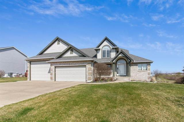 2608 W 10th Avenue, Indianola, IA 50125 (MLS #602339) :: Pennie Carroll & Associates