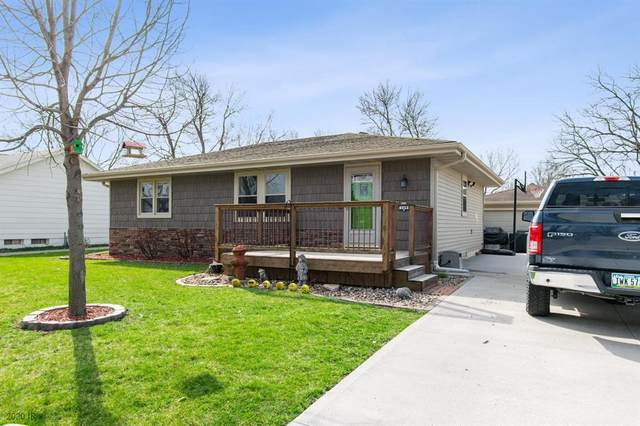 509 NE 9th Street, Ankeny, IA 50021 (MLS #602426) :: Better Homes and Gardens Real Estate Innovations