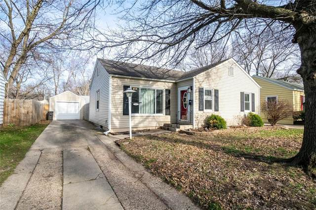 2103 56th Street, Des Moines, IA 50310 (MLS #602473) :: Better Homes and Gardens Real Estate Innovations