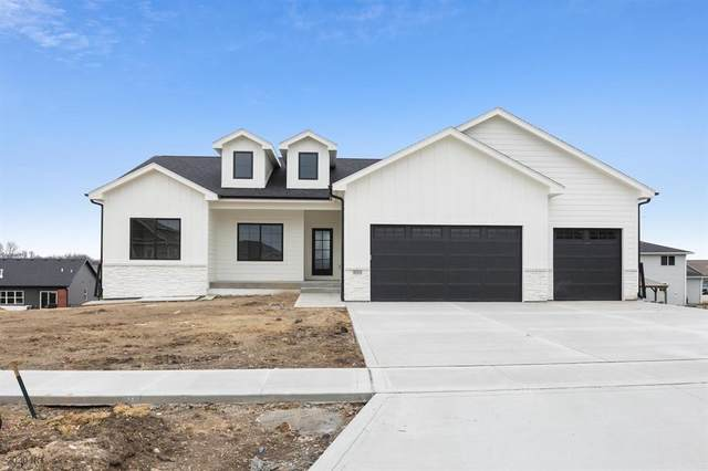 809 NW Charlotte Court, Grimes, IA 50111 (MLS #602787) :: Better Homes and Gardens Real Estate Innovations