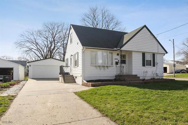 3948 55th Street, Des Moines, IA 50310 (MLS #602887) :: Better Homes and Gardens Real Estate Innovations