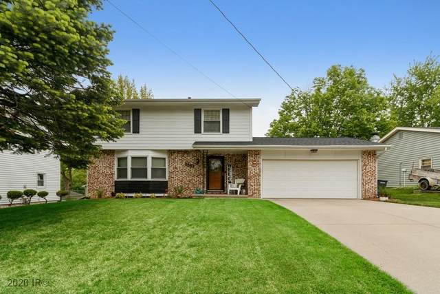 8863 Franklin Avenue, Clive, IA 50325 (MLS #605518) :: Pennie Carroll & Associates