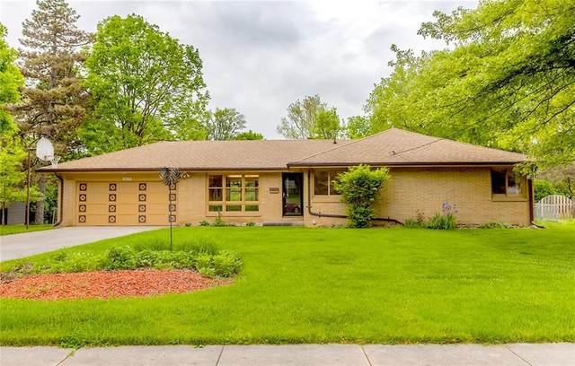 1627 Pleasant Street, West Des Moines, IA 50265 (MLS #605766) :: Pennie Carroll & Associates