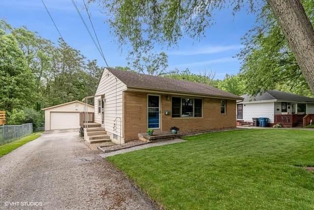 3213 SW 2nd Street, Des Moines, IA 50315 (MLS #606013) :: Pennie Carroll & Associates
