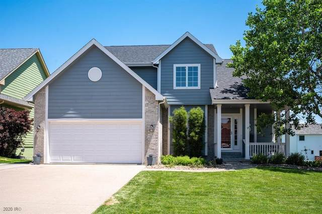 2860 Lexington Drive, Norwalk, IA 50211 (MLS #606414) :: Pennie Carroll & Associates