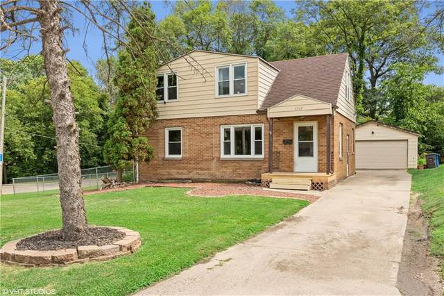 6002 Rollins Avenue, Des Moines, IA 50312 (MLS #608379) :: Better Homes and Gardens Real Estate Innovations