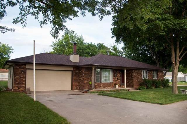 117 S 14th Avenue, Winterset, IA 50273 (MLS #608996) :: Moulton Real Estate Group