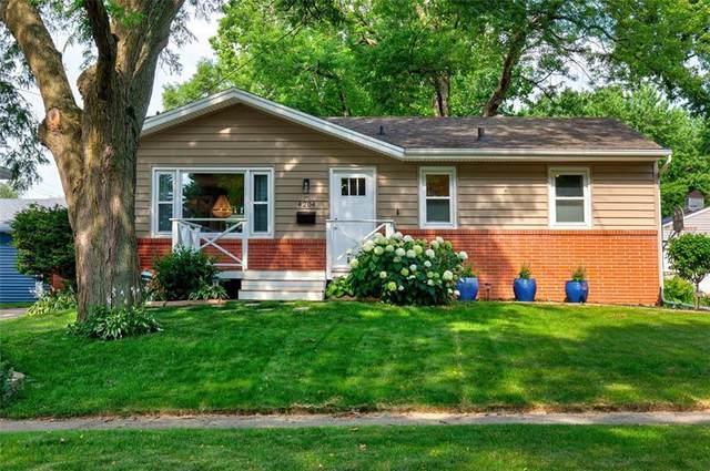 4204 67th Street, Urbandale, IA 50322 (MLS #609288) :: Moulton Real Estate Group