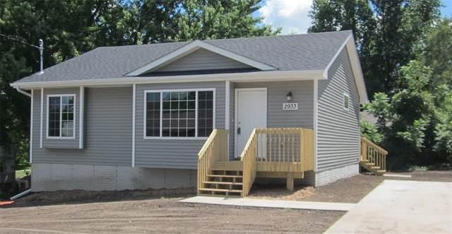 1245 E 36th Court, Des Moines, IA 50317 (MLS #609729) :: Pennie Carroll & Associates