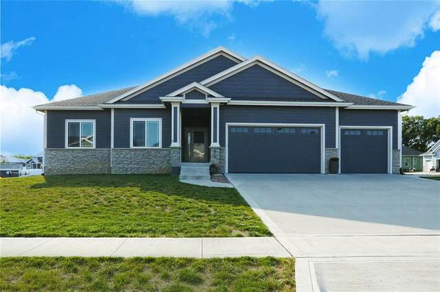 612 Lost Lake Drive, Polk City, IA 50226 (MLS #613971) :: Pennie Carroll & Associates