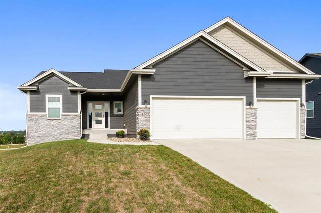 1207 Warrior Run Drive, Norwalk, IA 50211 (MLS #614063) :: Pennie Carroll & Associates