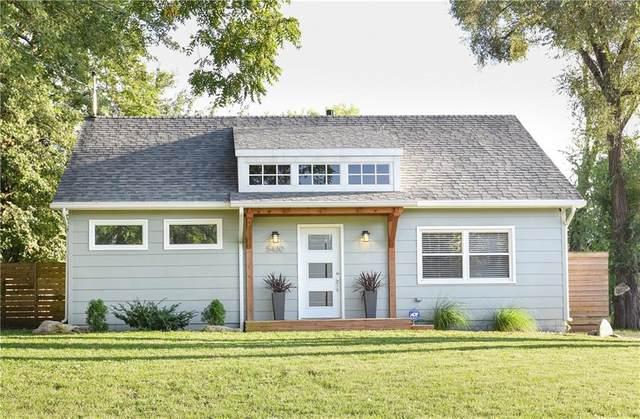 5480 NW Torgerson Drive, Des Moines, IA 50310 (MLS #614798) :: Pennie Carroll & Associates