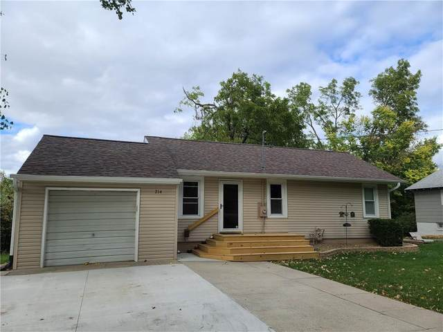 214 S 11th Avenue W, Newton, IA 50208 (MLS #614965) :: Better Homes and Gardens Real Estate Innovations