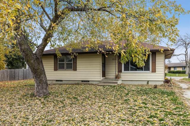 715 Maple Street, Waukee, IA 50263 (MLS #616850) :: Moulton Real Estate Group