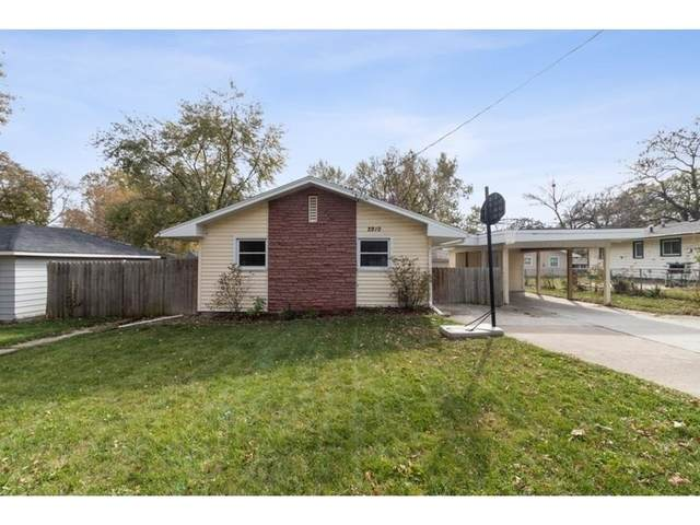 2910 Madison Avenue, Des Moines, IA 50310 (MLS #617105) :: Moulton Real Estate Group