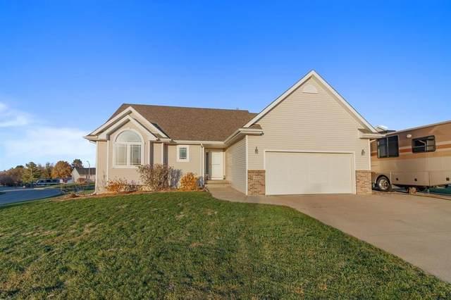 1524 Maple Drive, Adel, IA 50003 (MLS #617645) :: Moulton Real Estate Group