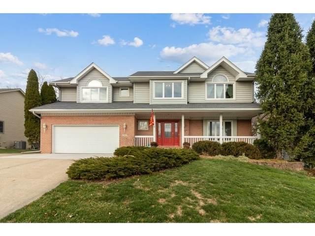 2309 Ridgewood Drive, West Des Moines, IA 50265 (MLS #618820) :: Pennie Carroll & Associates