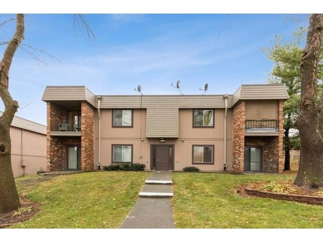 4781 Woodland Avenue #3, West Des Moines, IA 50266 (MLS #618836) :: Pennie Carroll & Associates