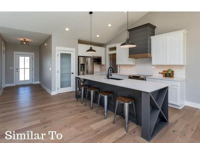 1030 Ford Lane, Waukee, IA 50263 (MLS #619039) :: Pennie Carroll & Associates