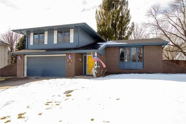 4504 74th Street, Urbandale, IA 50322 (MLS #620575) :: Moulton Real Estate Group