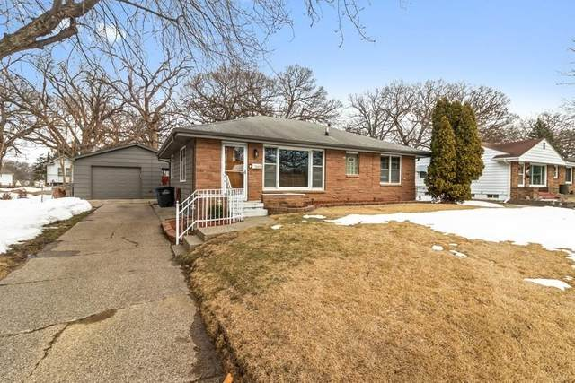 2801 Francis Drive, Des Moines, IA 50310 (MLS #623151) :: Moulton Real Estate Group