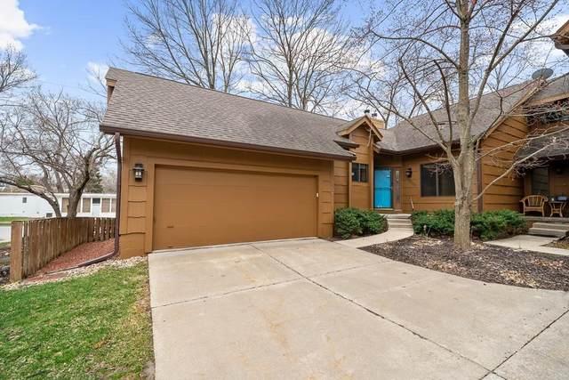 7004 Oak Brook Drive, Urbandale, IA 50322 (MLS #624949) :: Pennie Carroll & Associates