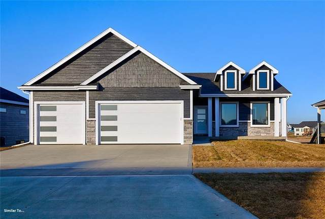 2835 Crescent Ridge Drive, Waukee, IA 50263 (MLS #626228) :: Pennie Carroll & Associates