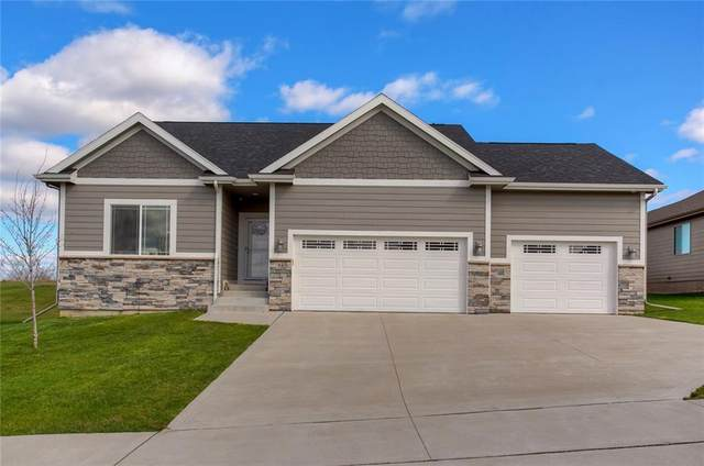 7840 Spring Creek Drive, Pleasant Hill, IA 50327 (MLS #626585) :: Better Homes and Gardens Real Estate Innovations