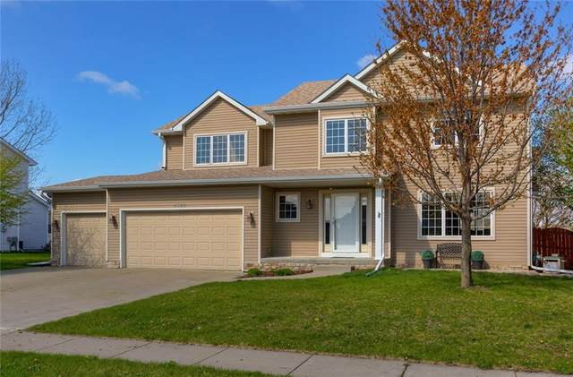 4322 127th Street, Urbandale, IA 50323 (MLS #627300) :: Moulton Real Estate Group