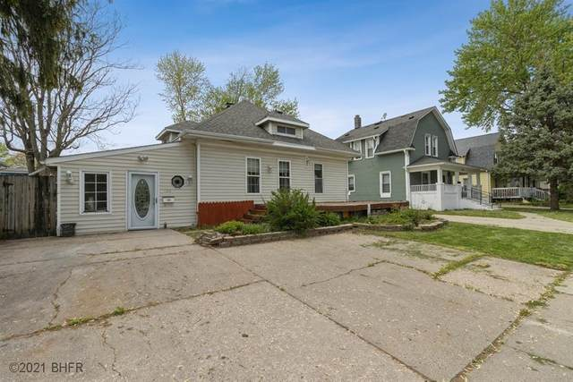 520 8th Street, West Des Moines, IA 50265 (MLS #628393) :: Pennie Carroll & Associates