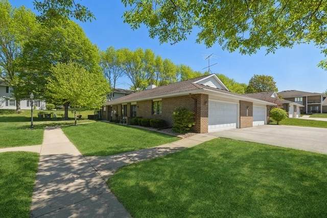 1152 49th Street #1, West Des Moines, IA 50266 (MLS #628520) :: Better Homes and Gardens Real Estate Innovations