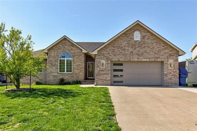 7412 Oakwood Drive, Urbandale, IA 50322 (MLS #628699) :: Moulton Real Estate Group