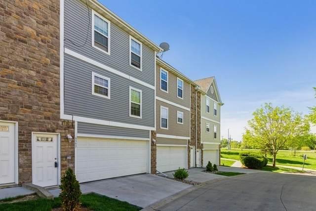 6397 Oak Creek Drive, Pleasant Hill, IA 50327 (MLS #628986) :: Pennie Carroll & Associates