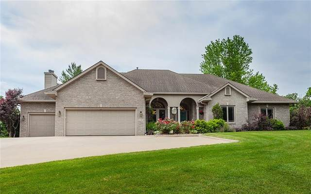 2500 Country Side Place, West Des Moines, IA 50265 (MLS #631306) :: Pennie Carroll & Associates