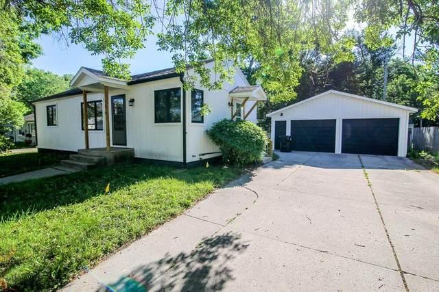 1219 11th Street, Nevada, IA 50201 (MLS #631563) :: Moulton Real Estate Group