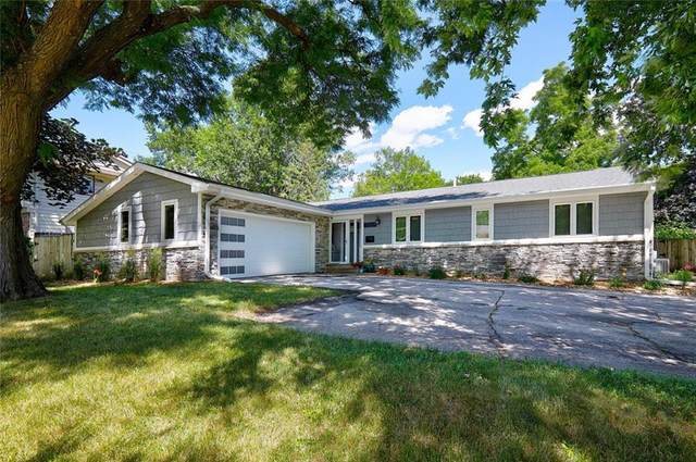 3217 Vine Street, West Des Moines, IA 50265 (MLS #631937) :: Better Homes and Gardens Real Estate Innovations
