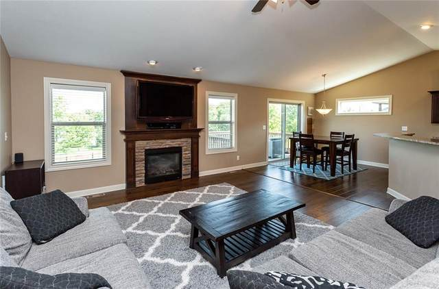 9263 Sugar Creek Drive, West Des Moines, IA 50266 (MLS #632159) :: Better Homes and Gardens Real Estate Innovations