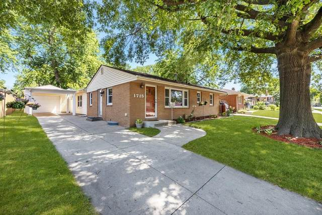 1715 Vine Street, West Des Moines, IA 50265 (MLS #632178) :: Better Homes and Gardens Real Estate Innovations
