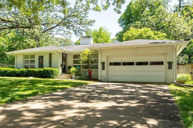 6008 Ronwood Drive, Des Moines, IA 50312 (MLS #632256) :: Better Homes and Gardens Real Estate Innovations