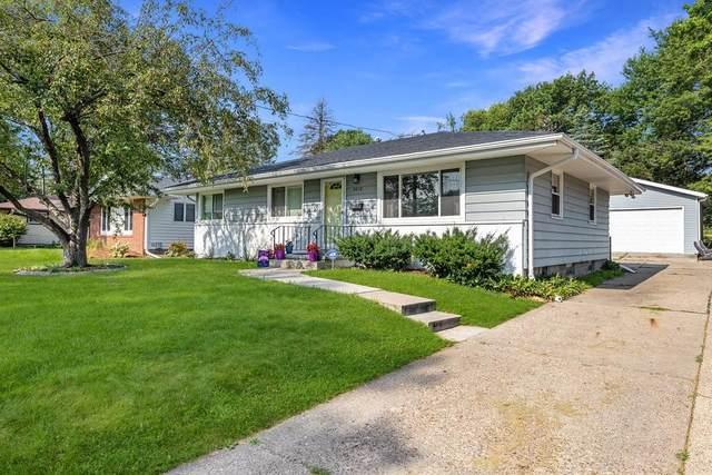 4012 33rd Street, Des Moines, IA 50310 (MLS #634244) :: Moulton Real Estate Group